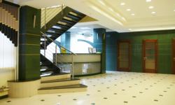Лестница в общественном помещении ОАО АКБ Банк Хакасии