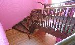 Маршевая лестница с косоуром и поручнем согнутыми по винтовой линии