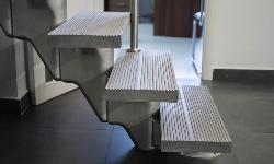 Модульная лестница A210, в офисном помещении
